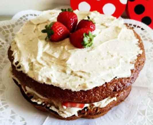 bolo de morangos - com certeza de dar água na boca